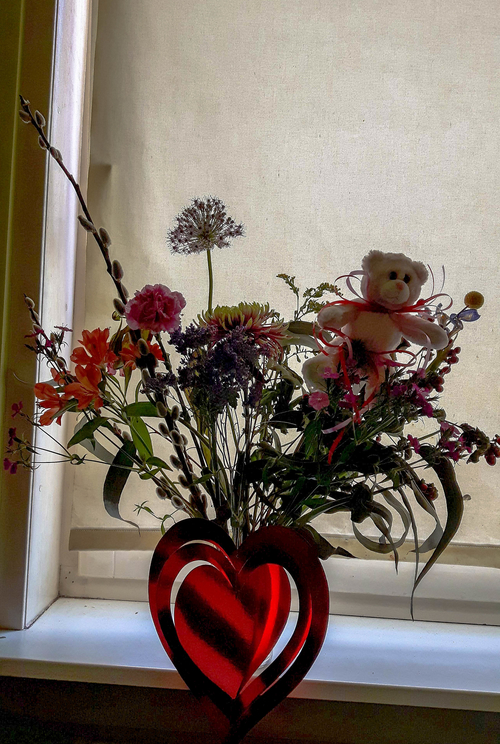 Valentine's-day-present-flowers