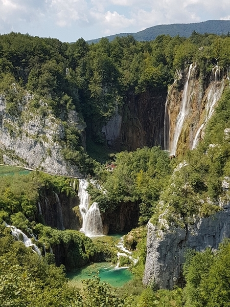 Waterfalls-in-Plitvice-Lakes
