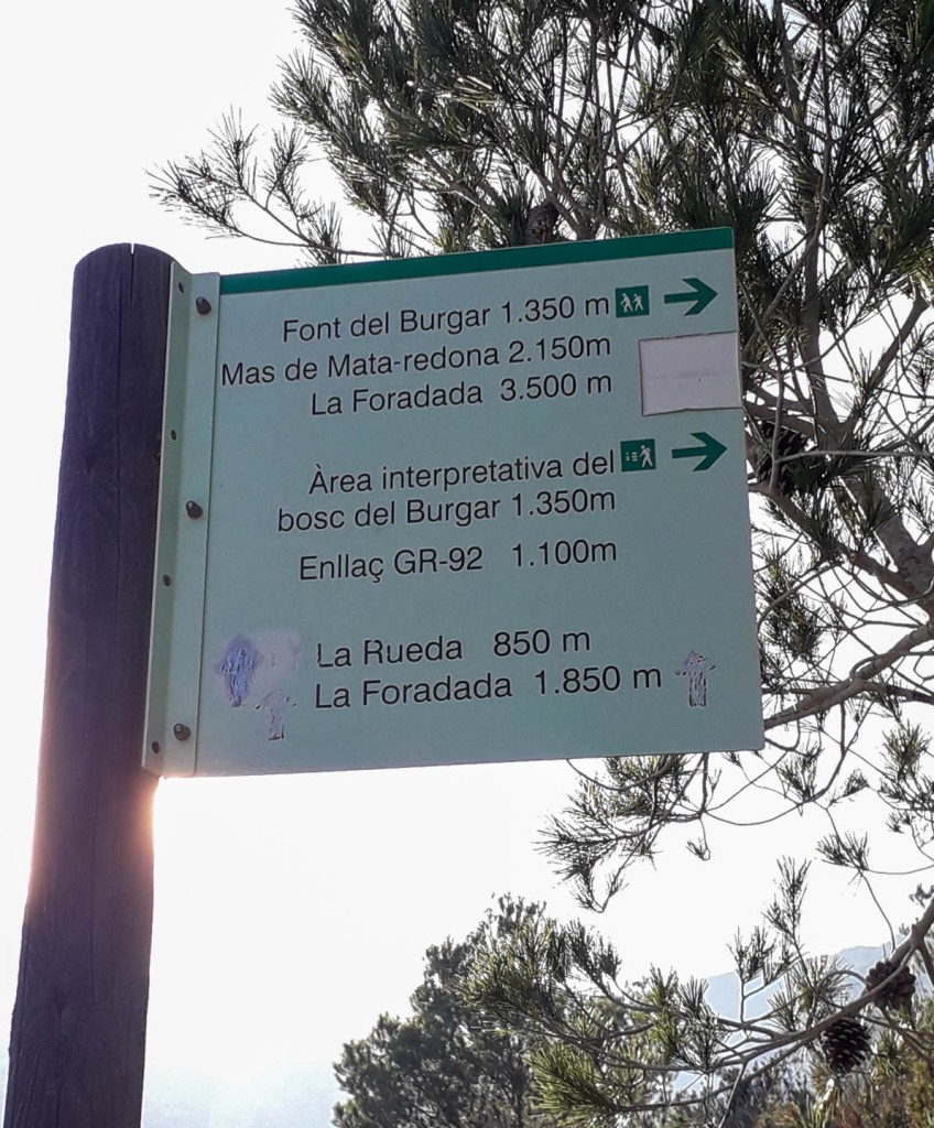 Spain map Catalonia hiking towards the La Foradada