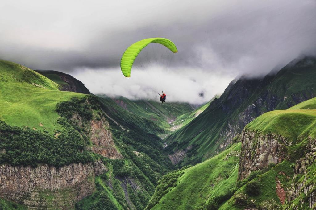Paragliding in Oman country