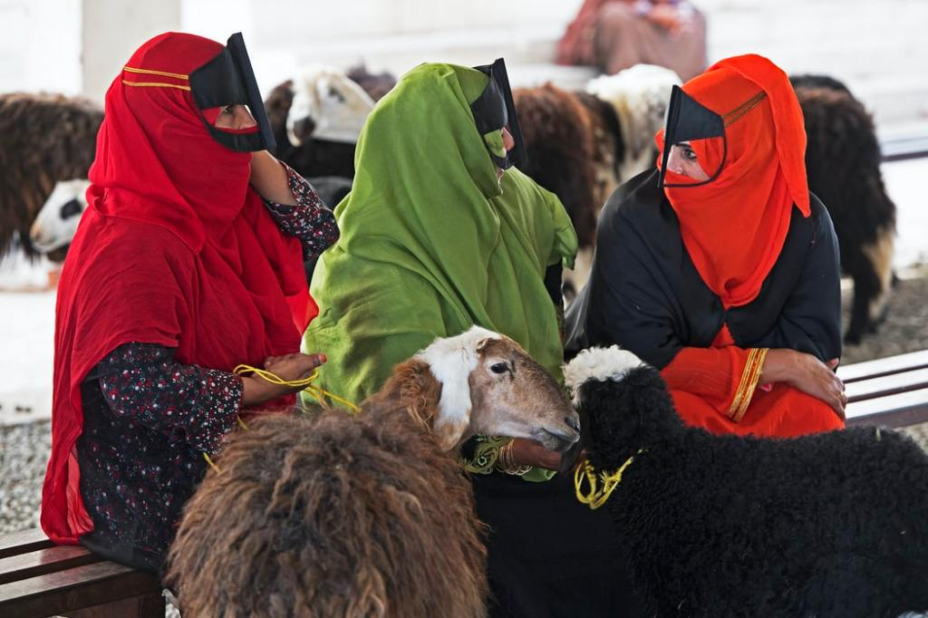 Women of Oman country